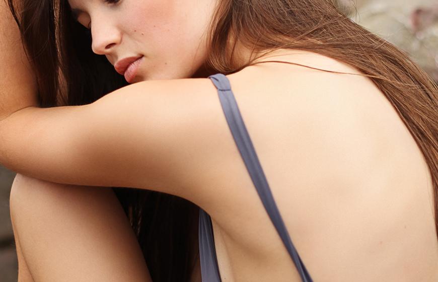 La Dra. Laura Mijelshon del Centro Piel y Estética te cuenta las mejores opciones para recuperar tu piel después del verano